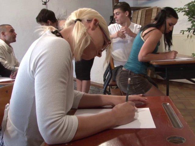 Des étudiantes sexy et novices