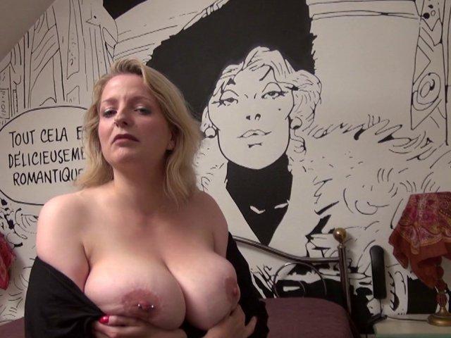 Une jeune amatrice de baise anale